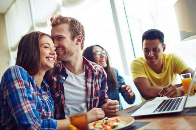 How To Live On Budget As a Students