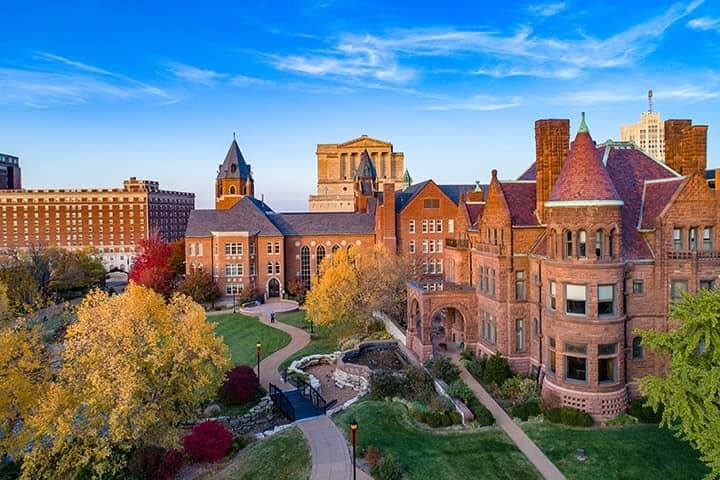 Saint LouiSaint Louis Universitys University