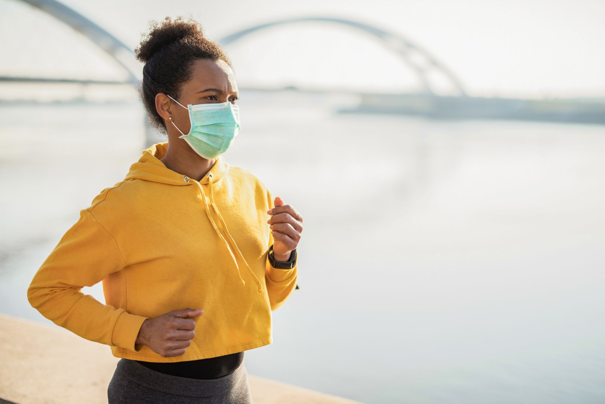 Should You Wear a Face Mask When Running Outdoors?
