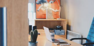 Study Desk | Pixabay