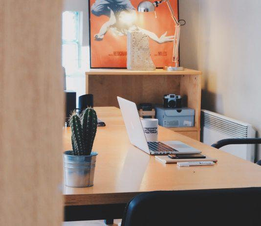 Study Desk   Pixabay